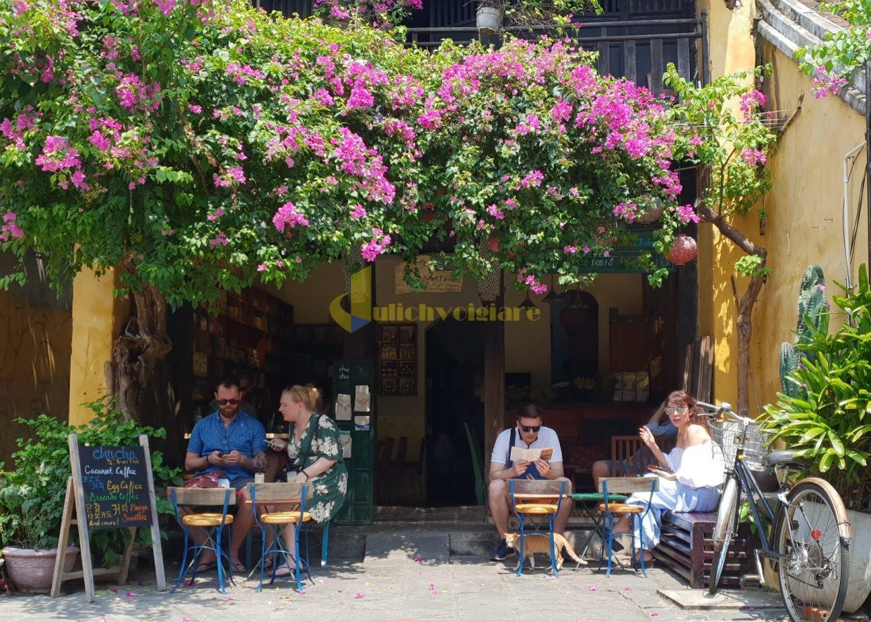 01-organic-cafe-in-Hoi-An-e1555056387604 Dọc ngang Việt Nam, ghé thăm những quán cà phê chất ngất