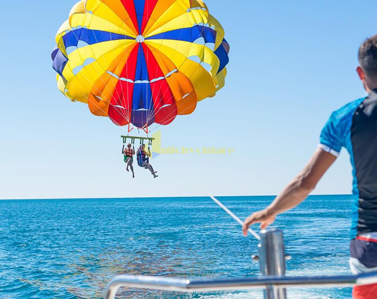 what-is-parasailing 10 hoạt động thú vị ở Sunworld Hòn Thơm Phú Quốc
