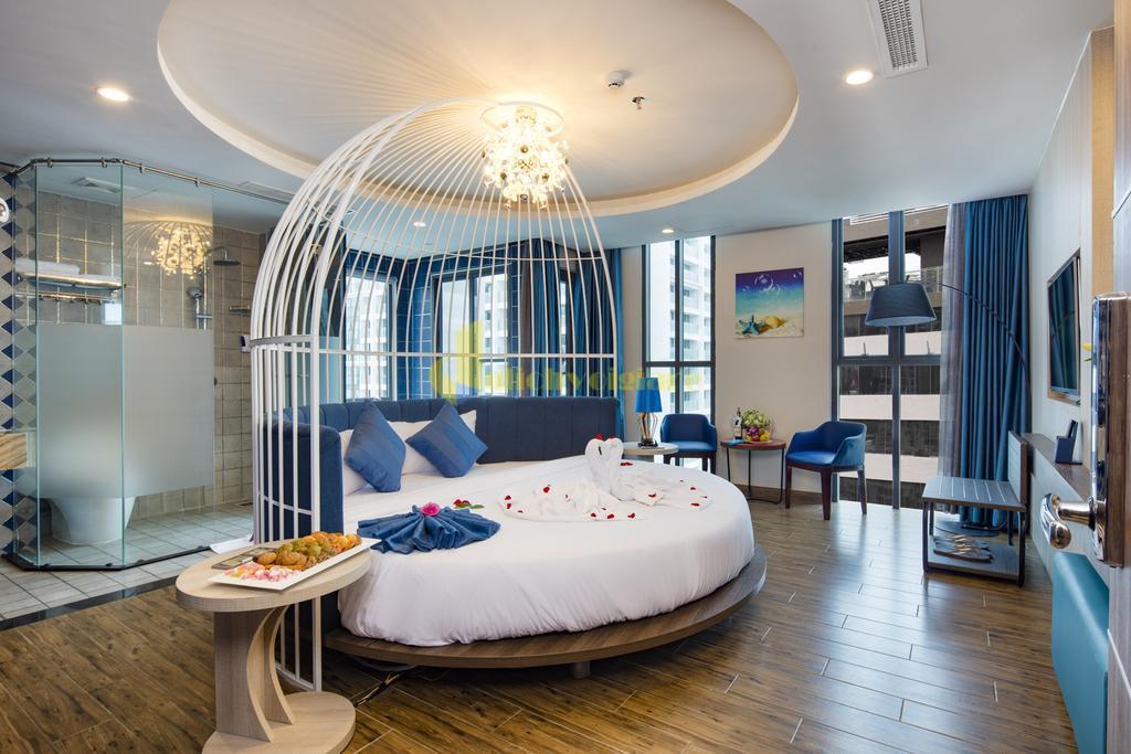 aaron-5 Top 10 Khách Sạn Đẹp Ngất Ngây Tại Nha Trang