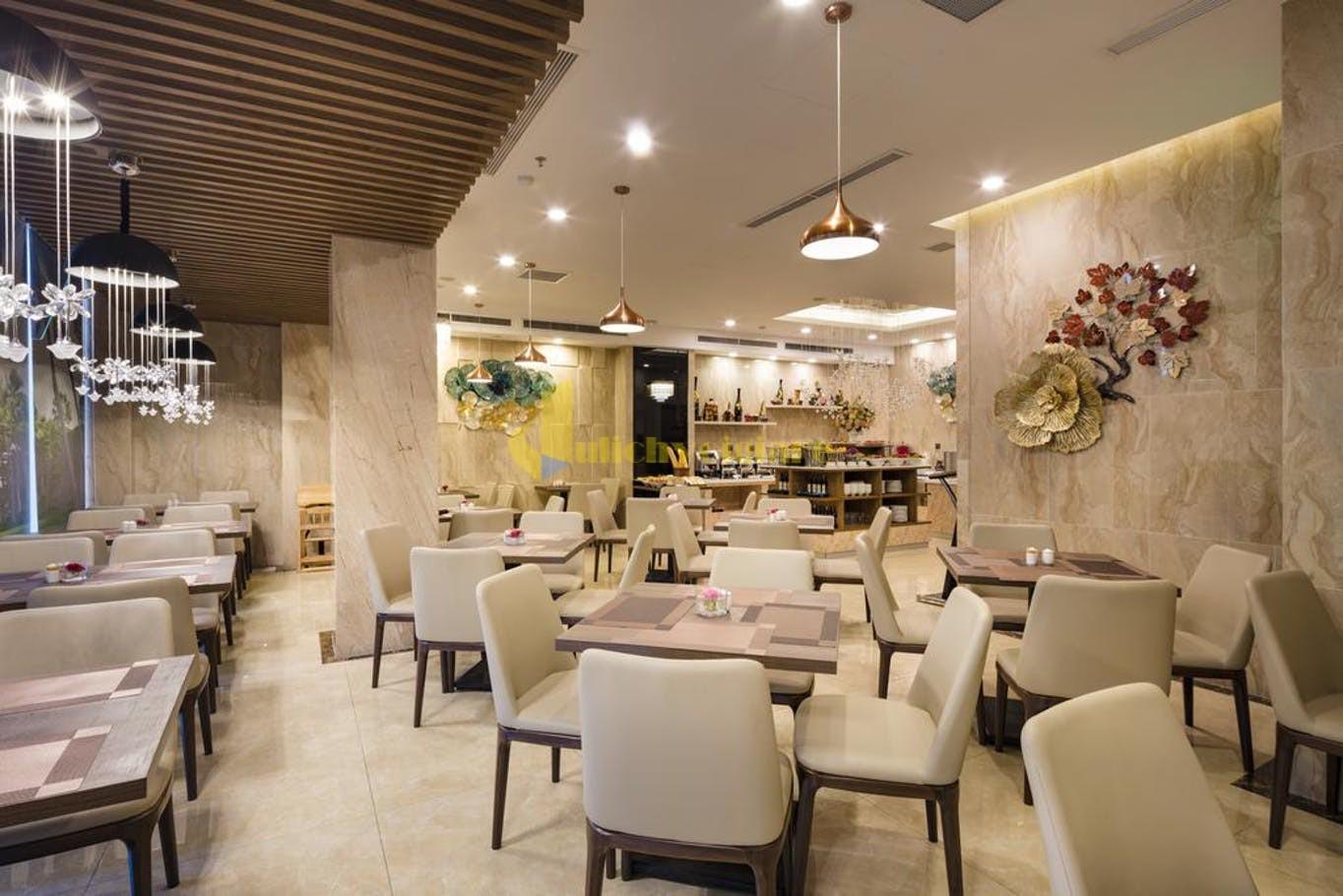 aaron-6 Top 10 Khách Sạn Đẹp Ngất Ngây Tại Nha Trang
