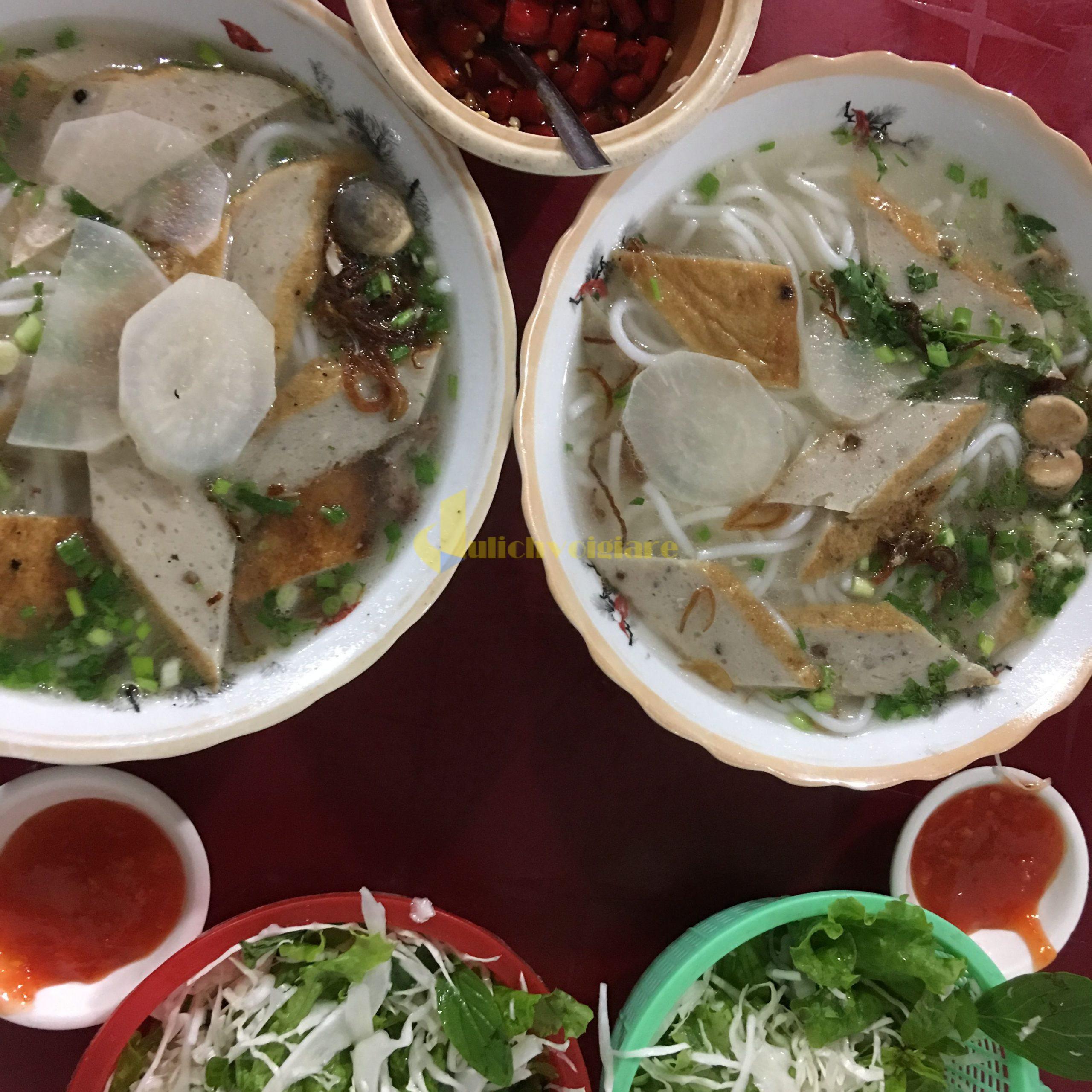 bún-bánh-canh-chả-cá-scaled Kinh Nghiệm Du Lịch Tự Túc Khi Tới Nha Trang