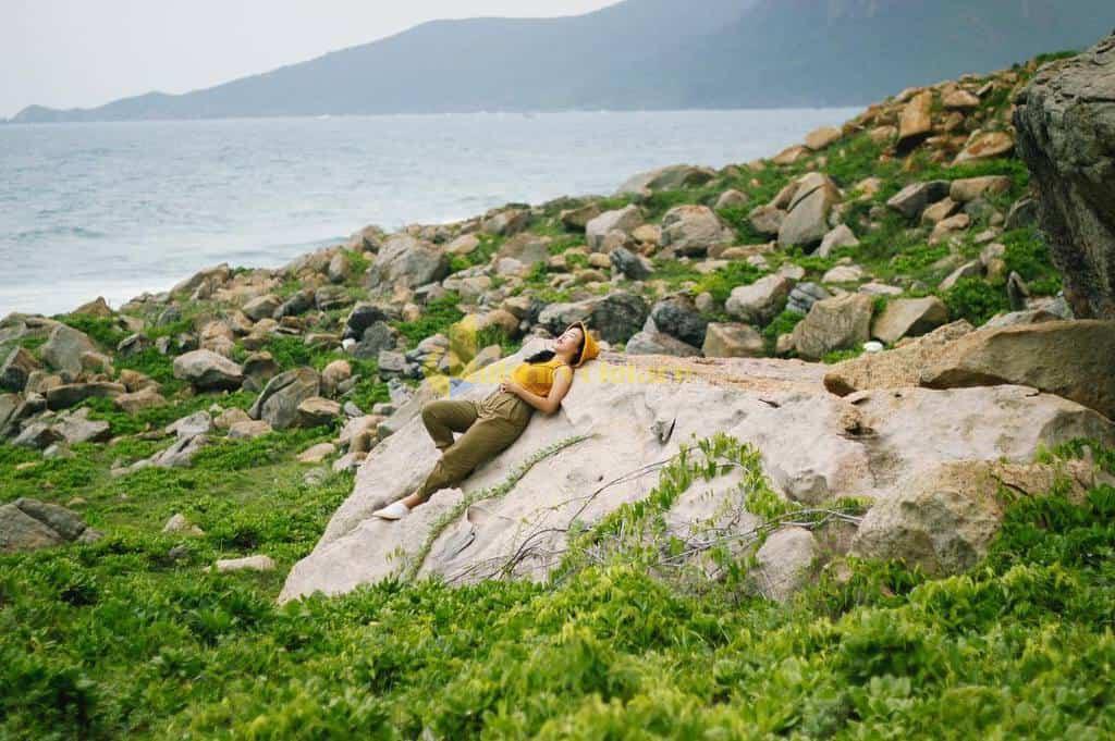 choi-gi-o-con-dao-internet Trời nắng nóng quá rồi , Khám phá Côn Đảo biển xanh , cát trắng , nắng vàng thôi nào ?