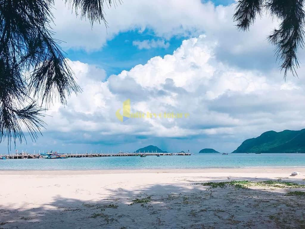 choi-gi-o-con-dao-internet1 Trời nắng nóng quá rồi , Khám phá Côn Đảo biển xanh , cát trắng , nắng vàng thôi nào ?