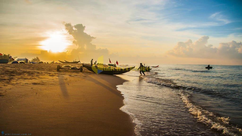 choi-gi-o-con-dao-internet3 Trời nắng nóng quá rồi , Khám phá Côn Đảo biển xanh , cát trắng , nắng vàng thôi nào ?