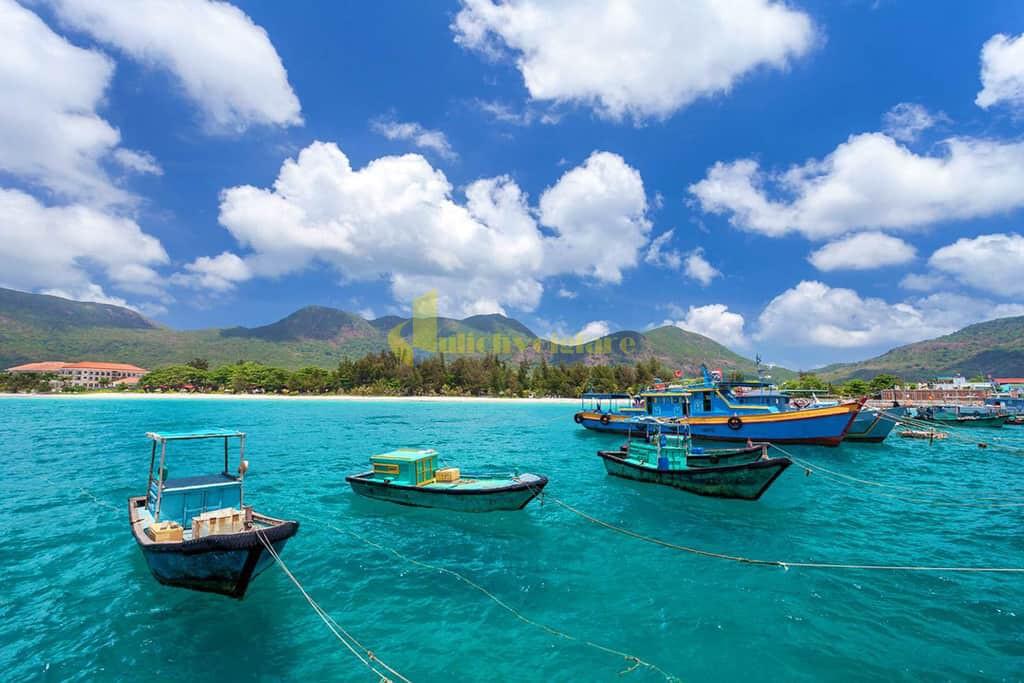 choi-gi-o-con-dao-internet8 Trời nắng nóng quá rồi , Khám phá Côn Đảo biển xanh , cát trắng , nắng vàng thôi nào ?