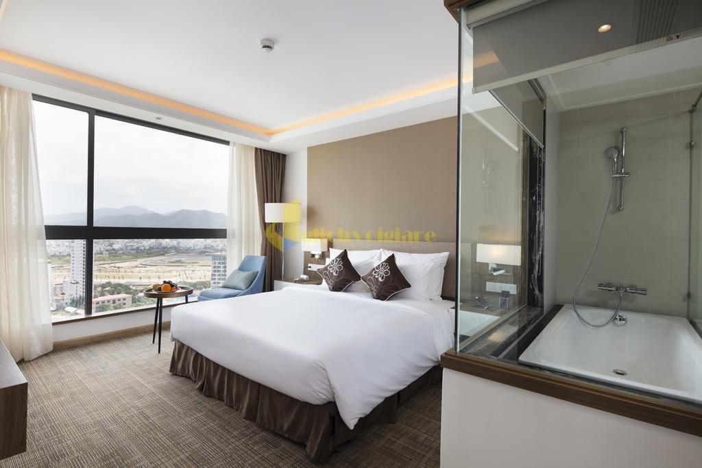 comodo-1 Top 10 Khách Sạn Đẹp Ngất Ngây Tại Nha Trang