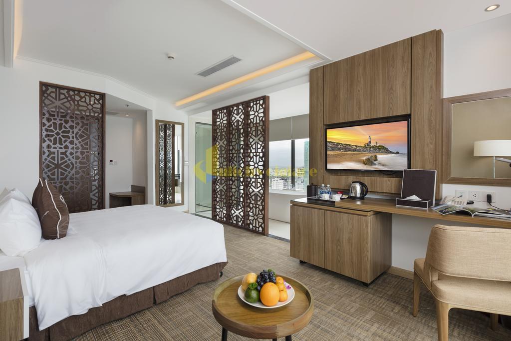 comodo-2 Top 10 Khách Sạn Đẹp Ngất Ngây Tại Nha Trang