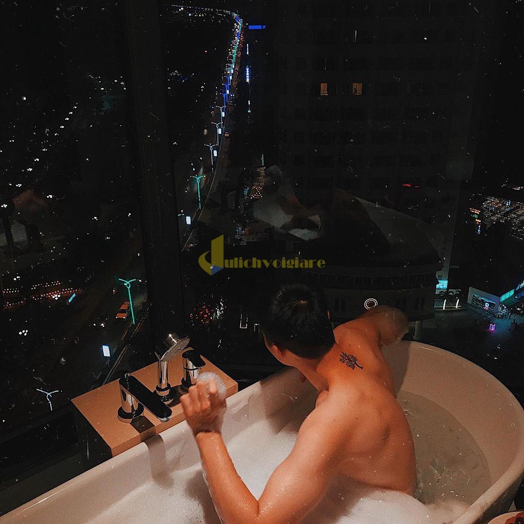comodo-3 Top 10 Khách Sạn Đẹp Ngất Ngây Tại Nha Trang