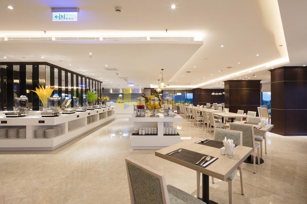comodo-4 Top 10 Khách Sạn Đẹp Ngất Ngây Tại Nha Trang