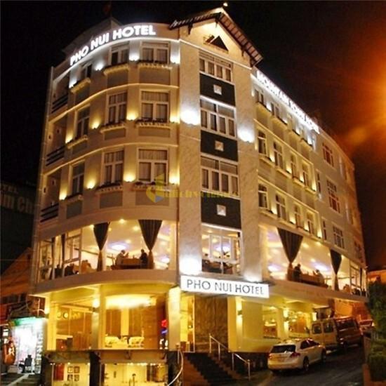"""khach-san-pho-nui-ngay-cho Top 24 """"Khách sạn 1-5*"""" gần Chợ Đà Lạt"""