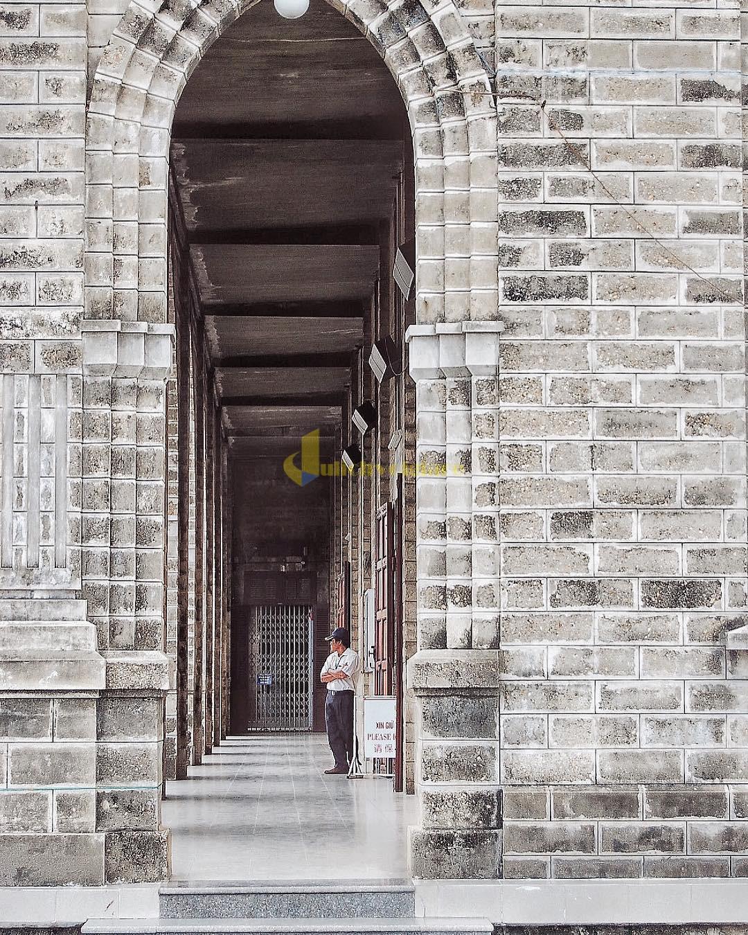 nhà-thờ-đá-1 Kinh Nghiệm Du Lịch Tự Túc Khi Tới Nha Trang