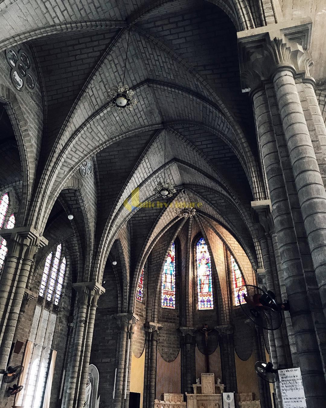 nhà-thờ-đá-2 Kinh Nghiệm Du Lịch Tự Túc Khi Tới Nha Trang