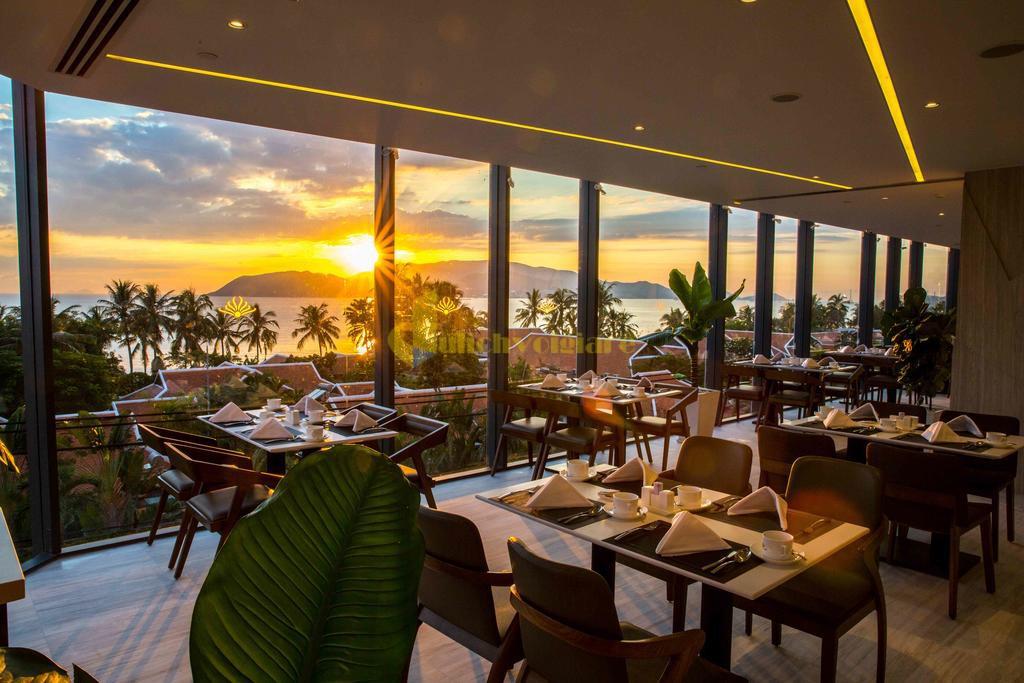 queen-ann-2 Top 10 Khách Sạn Đẹp Ngất Ngây Tại Nha Trang