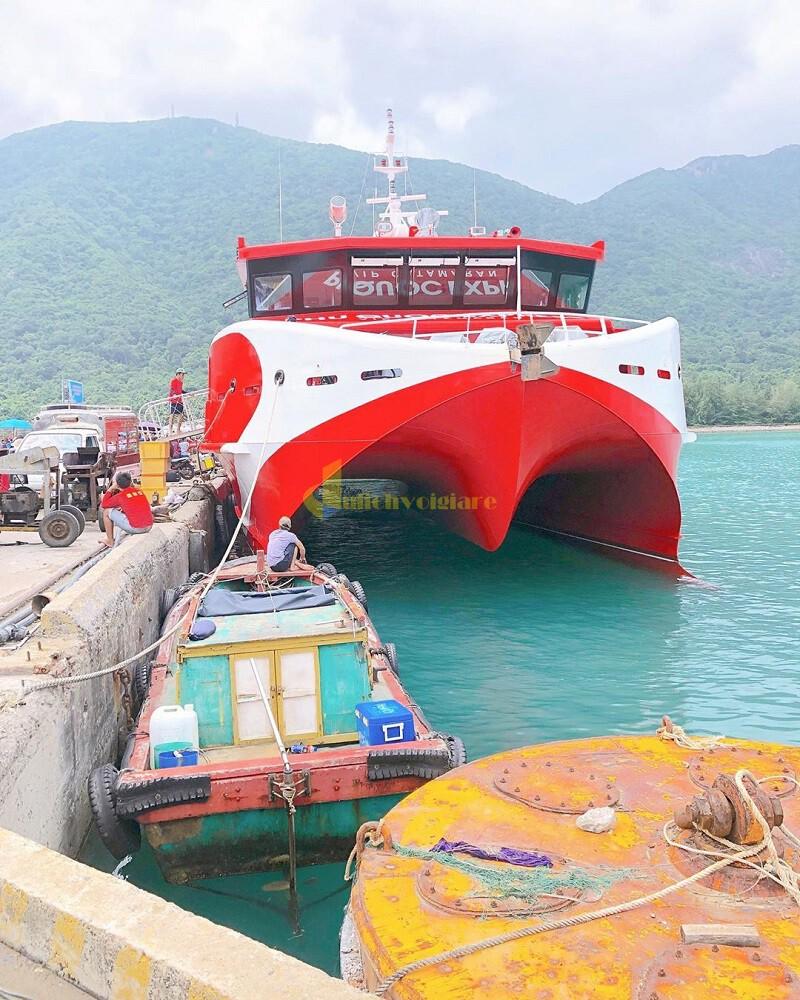 tau-cao-toc-con-dao-1 Du lịch Côn Đảo tự túc