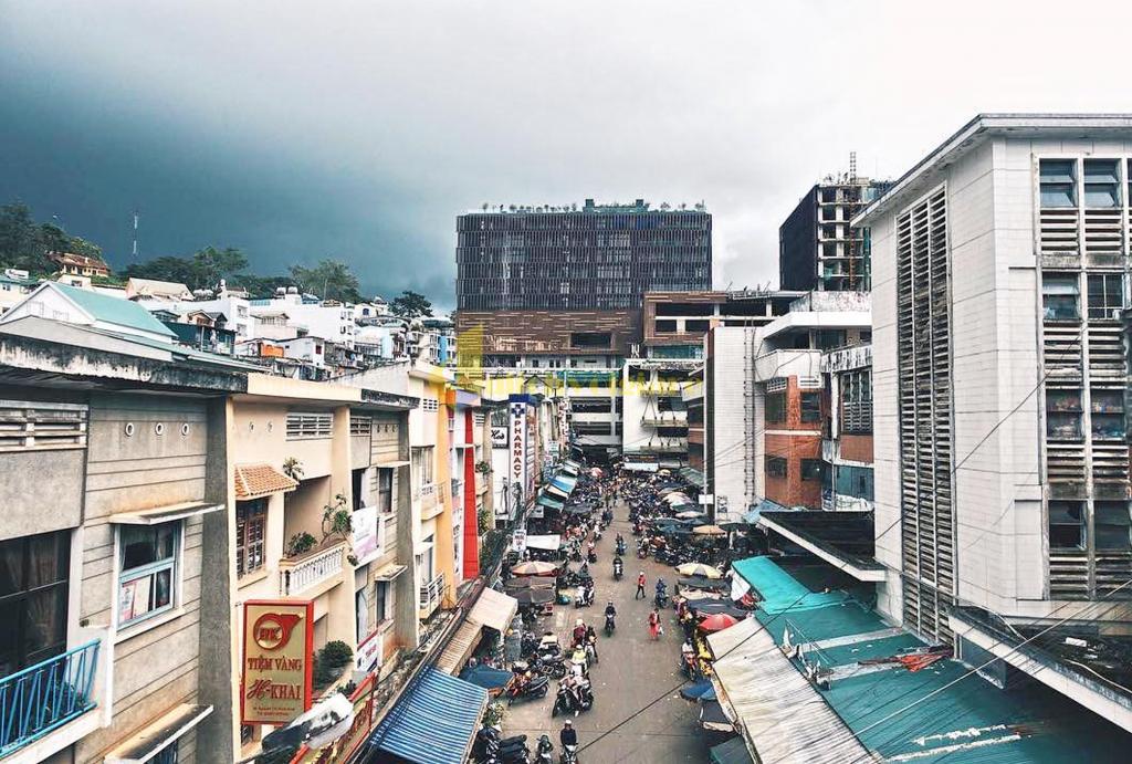 """view-o-cho-da-lat-1024x691-1 """"Chợ Âm Phủ """" - 1 Địa điểm nổi tiếng nhất tại Đà Lạt"""